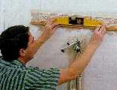 Как самому верно положить плитку на стенку